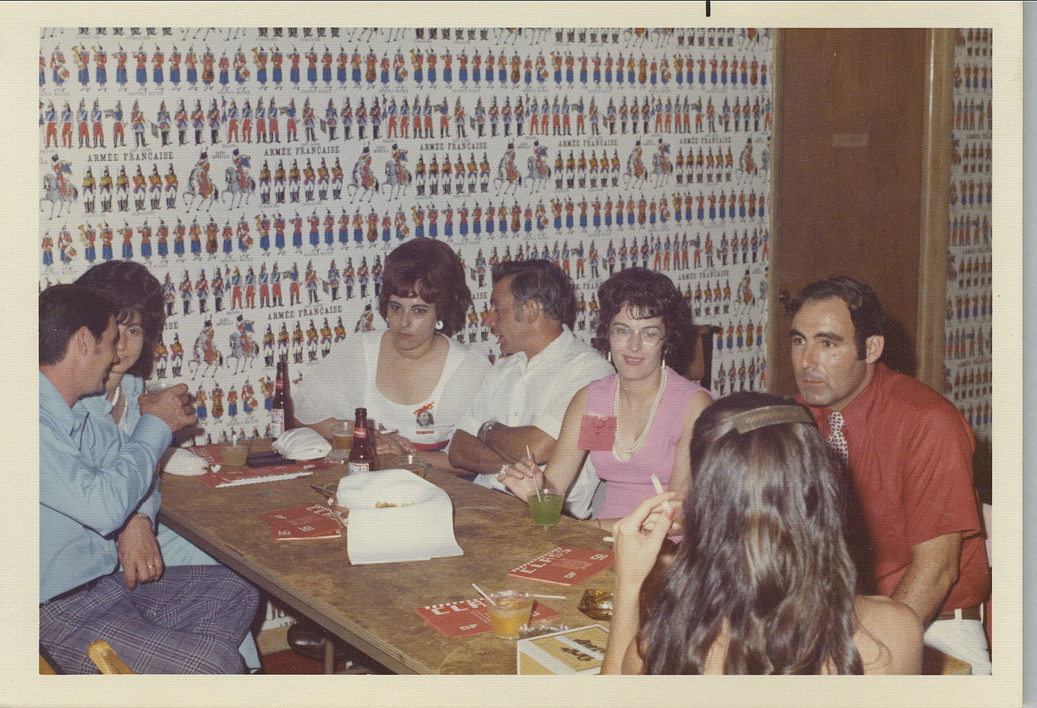 Slightly Faded Old Reunion Pictures found in DY_s cellar.-101_18